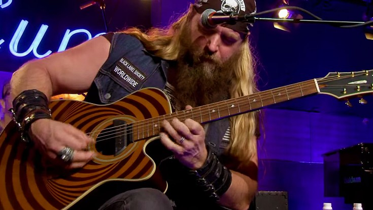 "Zakk Wylde Jams ""Voodoo Child"" – But It's HOW He Does It That's Unbelievable 
