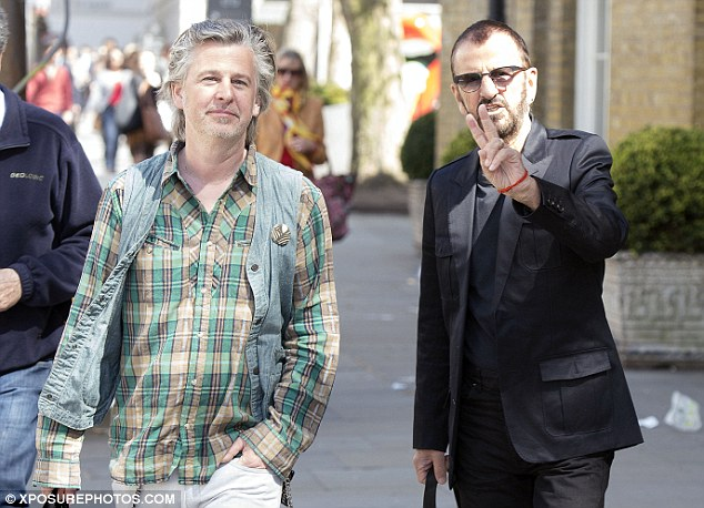 Shocking 75 Yr Old Ringo Starr Looks Younger Than 48 Yr Old Son