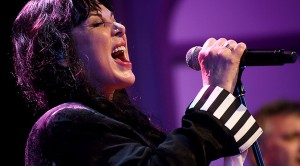 """Ann Wilson Reminds Us Why She's Still The Queen In Rip Roaring """"Beautiful Broken"""" Debut"""