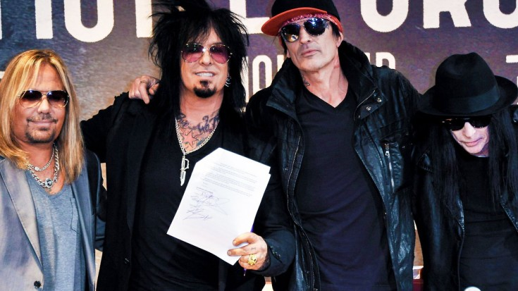 Mötley Crüe Member SLAMS Bandmates, Reveals The REAL Reason They Decided To Call It Quits   Society Of Rock Videos