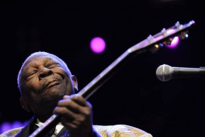 B.B. King 'Shreds' Yngwie Malmsteen-Style — You Have To Watch This!