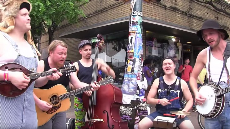 """Hillbillies Hit The Streets Playing """"Paradise City"""" – People Immediately Stop And Watch   Society Of Rock Videos"""