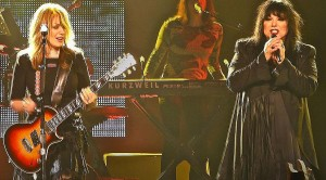 """Heart Hits The Road With Joan Jett, Cheap Trick And Bring The House Down With """"Barracuda"""""""