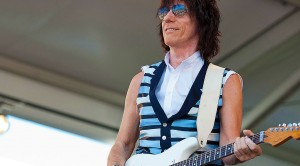 "Jeff Beck Drops New Hendrix-Inspired Song, ""Scared For The Children"" – Hear It Now!"