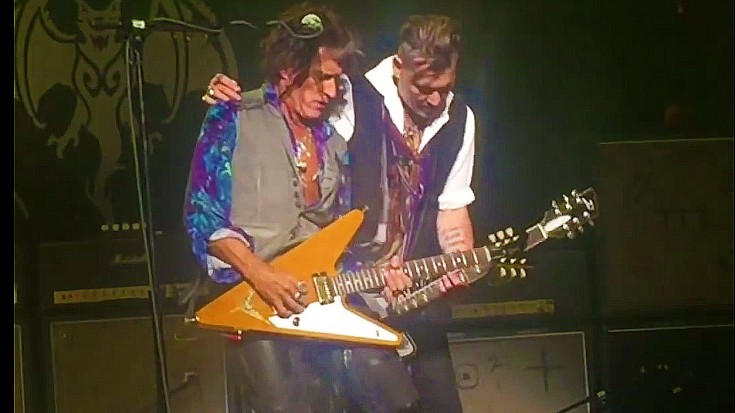 He's Baaaack! After Two Weeks, Joe Perry FINALLY Makes His Triumphant Return To The Stage | Society Of Rock Videos