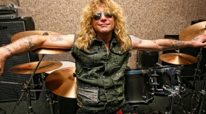 For The First Time In 26 Years, Steven Adler Joins Guns N' Roses Onstage