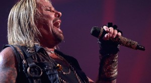 Vince Neil Puts His Legal Troubles Aside And Sings Your Favorite Mötley Crüe Classics