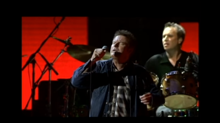 "Eagles ""Desperado"" Live – Don Henley Doesn't Hold Back On This One 
