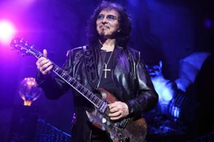 The Weight Of The World Is Now Off Of Tony Iommi's Shoulders! (Cancer Update)