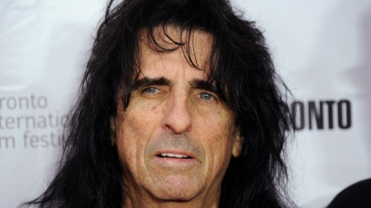 Alice Cooper Sounds Frustrated When He's Asked About Joe Perry… | Society Of Rock Videos