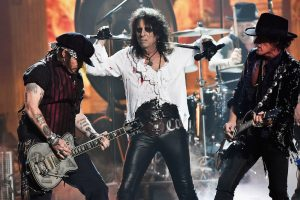 "Alice Cooper On Joe Perry Collapse: ""I Think He Was Exhausted."""