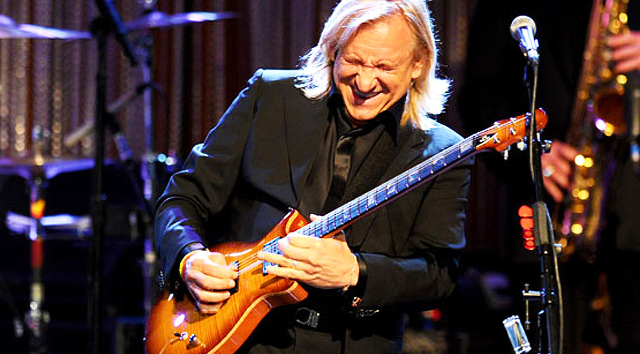 joe walsh shreds an incredible guitar solo leaves everyone absolutley speechless society of rock. Black Bedroom Furniture Sets. Home Design Ideas