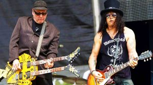 Surprise! Slash Invites Rick Nielsen On Stage—Unbelievable Duet Ensues