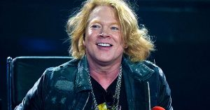 Good Guy Axl Rose Goes Above And Beyond After One Fan Experiences Hateful Encounter At Work