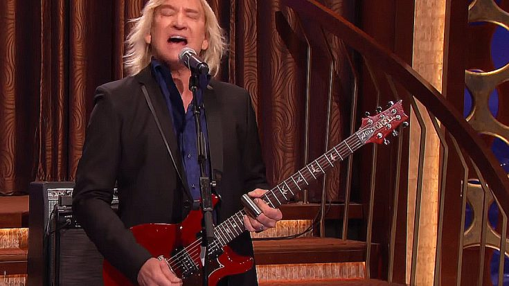 """Joe Walsh Lights Up Late Night TV With A Blues Soaked Performance Of """"Rocky Mountain Way"""" 