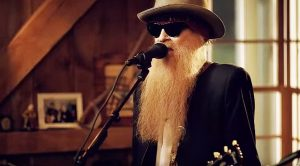 "Even 43 Years Later, Billy Gibbons Performs ""La Grange"" Like Only He Can!"
