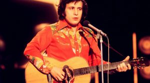 "46 Years Ago: Don McLean Marks The End Of An Era With Rock And Roll Eulogy, ""American Pie"""