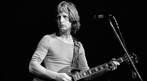 """Badfinger Are Gone But Never Forgotten As They Perform """"Day After Day"""" Live in 1972"""