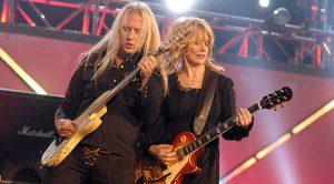Nancy Wilson And Alice In Chains Perform 'Barracuda' But The Audience Didn't Expect What They Heard…