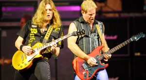 "Night Ranger Get The Crowd Involved In Epic Performance Of ""Sister Christian""! 
