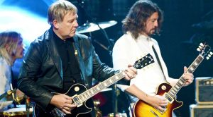 "Foo Fighters Pay Ultimate Tribute To Rush With Phenomenal Cover Of ""2112 Overture!"""