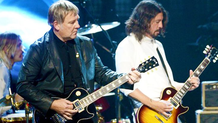 """Foo Fighters Pay Ultimate Tribute To Rush With Phenomenal Cover Of """"2112 Overture!""""   Society Of Rock Videos"""