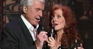 "Bonnie Raitt And Her Late Father's Performance Of ""I'm Blowing Away"" Is Nothing Short Of Beautiful"