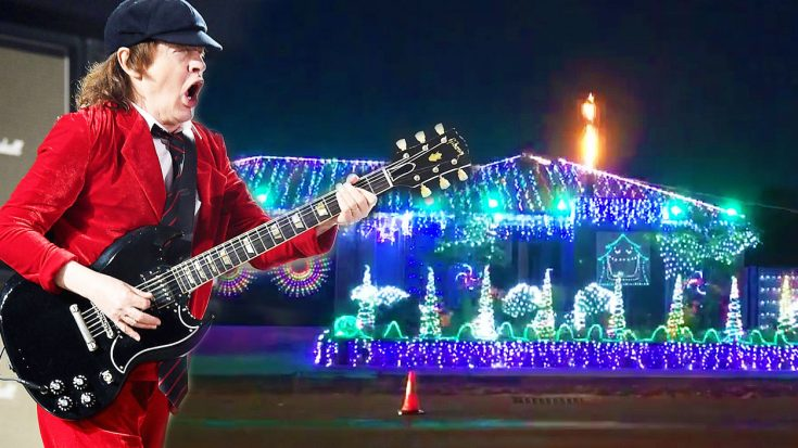 "Family Synchronizes Christmas Lights To AC/DC's ""Thunderstruck""—Every Rock Fan Will Love This! 