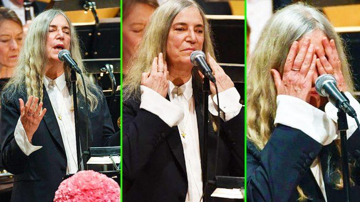 Patti Smith Struggles Through Emotional Bob Dylan Cover At Nobel Prize Ceremony | Society Of Rock Videos