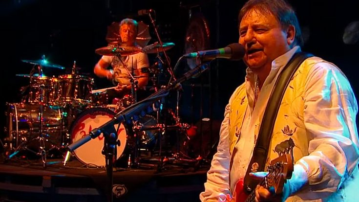 """Relive The Magic Of Emerson Lake & Palmer's Final Concert With """"Welcome Back My Friends"""" 