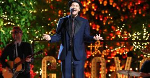 "Gavin DeGraw Crooning ""Have Yourself A Merry Little Christmas"" Is The Best Gift You'll Open Today"