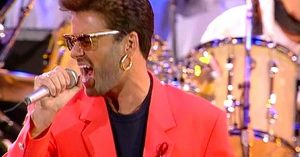 "Flashback: George Michael Channels That Old Freddie Mercury Magic For Stellar ""Somebody To Love"" Tribute"
