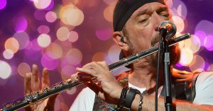 """Jethro Tull Get Into The Holiday Spirit With The Debut Of """"Pass The Bottle (A Christmas Song)"""""""