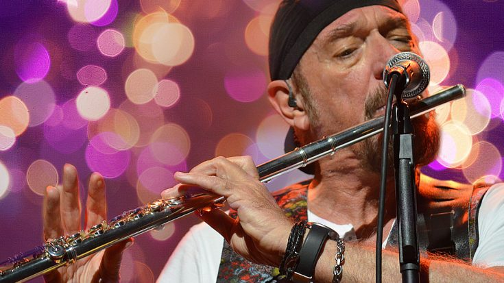 """Jethro Tull Get Into The Holiday Spirit With The Debut Of """"Pass The Bottle (A Christmas Song)"""" 