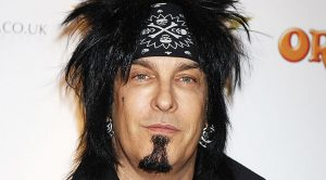Uh Oh! Looks Like Nikki Sixx Is Cutting Himself Off From His Fans, Completely! But Why?