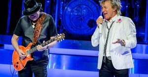 "Rod Stewart And Carlos Santana Share The Stage For Incredible ""I'd Rather Go Blind"" Duet"