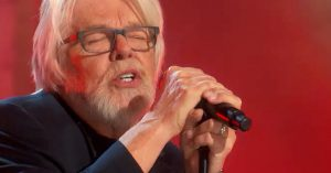 "Bob Seger Just Took Us To Church With This Soul Shaking ""Heartache Tonight"" Tribute To The Eagles"