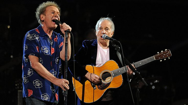 """Even 53 Years Later, Simon & Garfunkel Perform """"Sound Of Silence"""" Like Only They Can! 