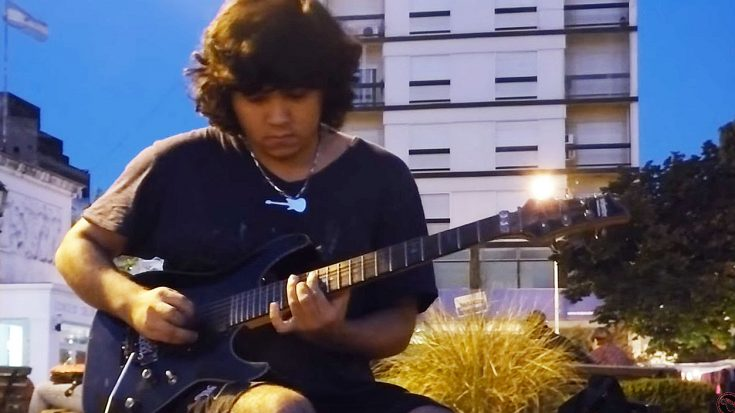 Young Street Musician Shreds 'Sweet Child Of Mine' And People Immediately Reach For Their Phones… | Society Of Rock Videos