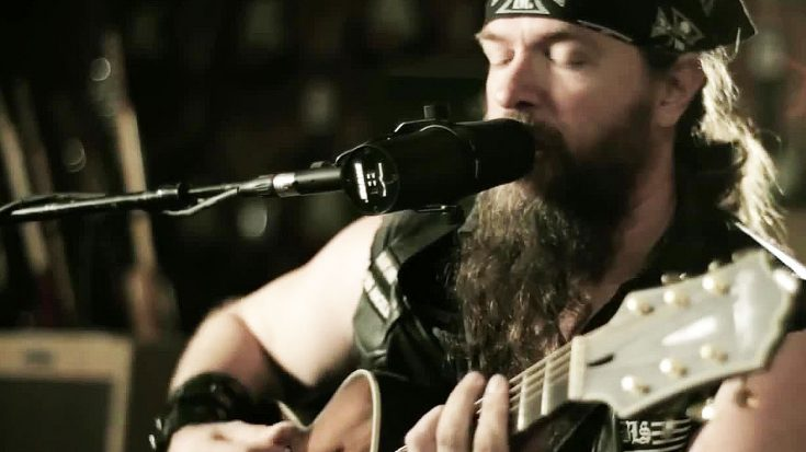 "Zakk Wylde Puts On An Absolute Masterclass With Acoustic Performance Of ""Queen Of Sorrow""! 