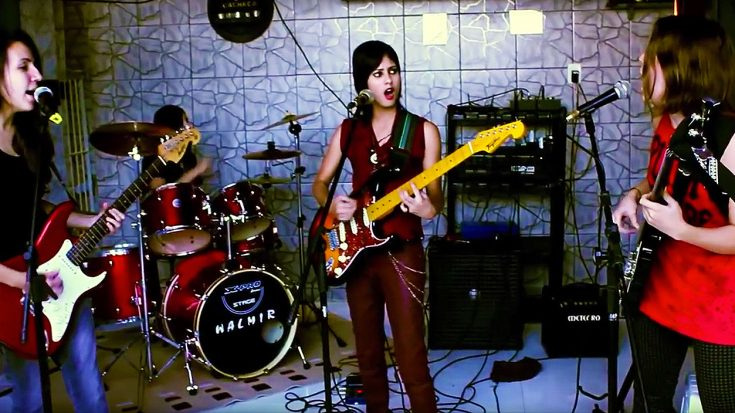 "Young Girls Channel Joan Jett And The Runaways In This Fantastic Cover Of ""Cherry Bomb""! 
