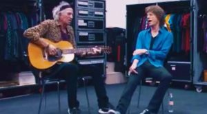 Caught On Camera: Keith Richards And Mick Jagger Jam A Funky Improvised Acoustic Set Backstage!