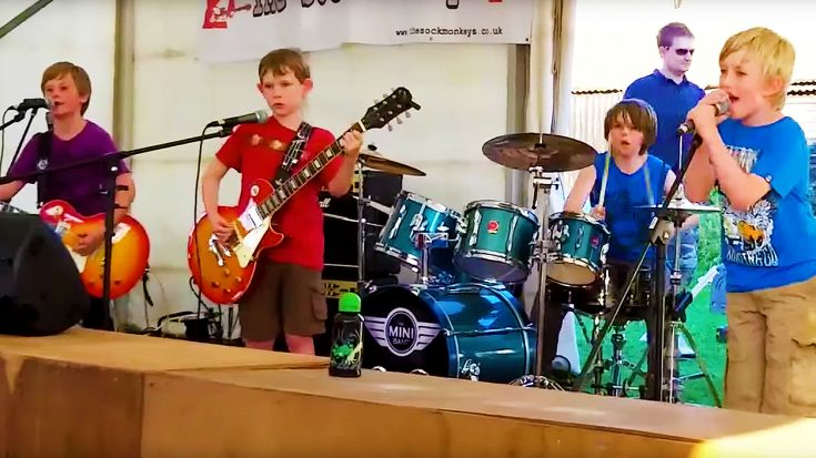 "8-Year Olds Prove You're Never Too Young To Rock With Incredible Cover Of ""Enter Sandman""! 
