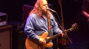 """The Allman Brothers Band Give Van Morrison A Run For His Money With Gorgeous """"Into The Mystic"""" Jam"""