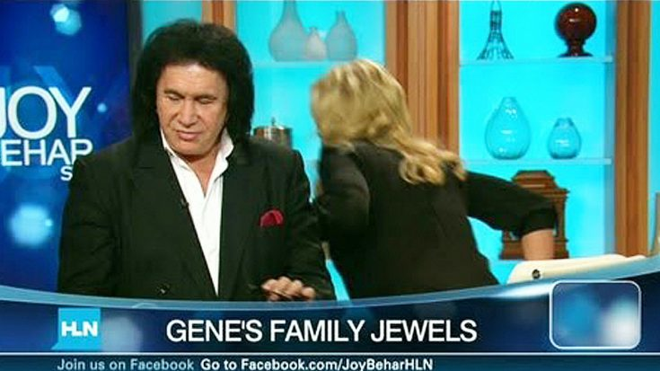 Awkward Interview Prompts Gene Simmons' Wife To Walk Out On Him On Live TV | Society Of Rock Videos