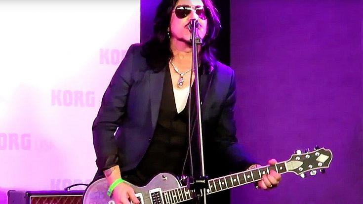 "Guns N' Roses Veteran Dusts Off ""Knockin' On Heaven's Door"" For Exclusive NAMM Performance 