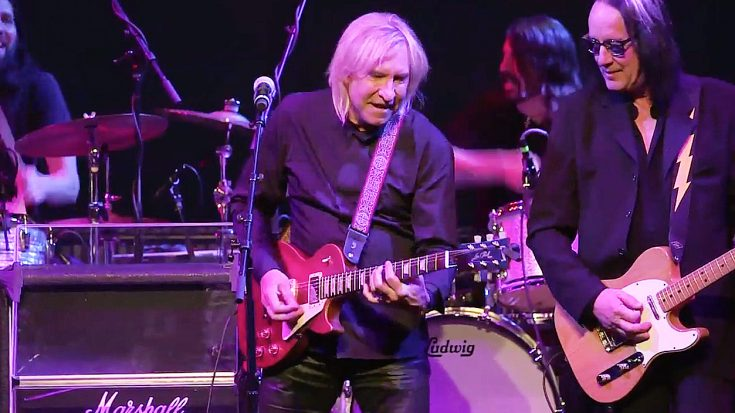 Joe Walsh Refines His Craft Alongside An All-Star Band For Epic Jam Of 'Funk #49'! | Society Of Rock Videos
