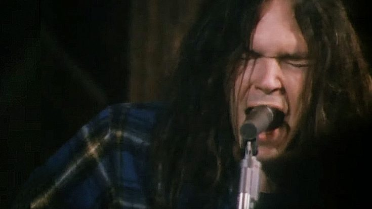 Rare Footage Of Neil Young Recording 'Alabama' Surfaces, And It's Everything We've Ever Wanted | Society Of Rock Videos