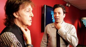 "Paul McCartney & Jimmy Fallon ""Switch Voices"" Backstage In Hilarious TV Segment!"