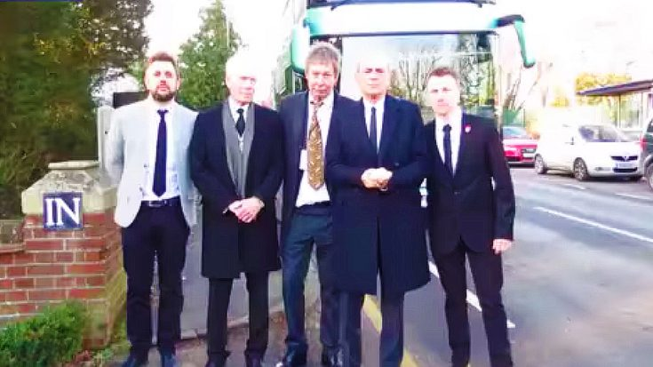 Status Quo Guitarist Rick Parfitt Laid To Rest – See The Touching Way His Bandmates Honored His Legacy | Society Of Rock Videos